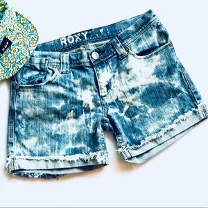 Roxy✨1 of a kind✨destroyed cuffed diy jean shorts